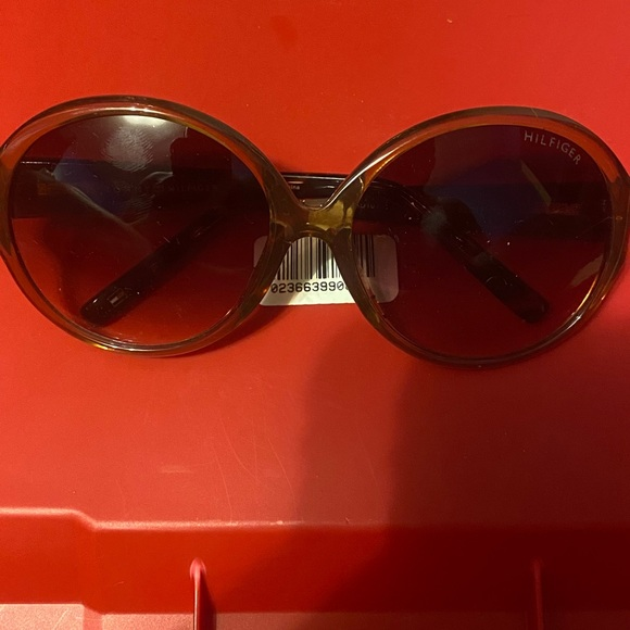 Tommy Hilfiger LAD101 Sunglasses